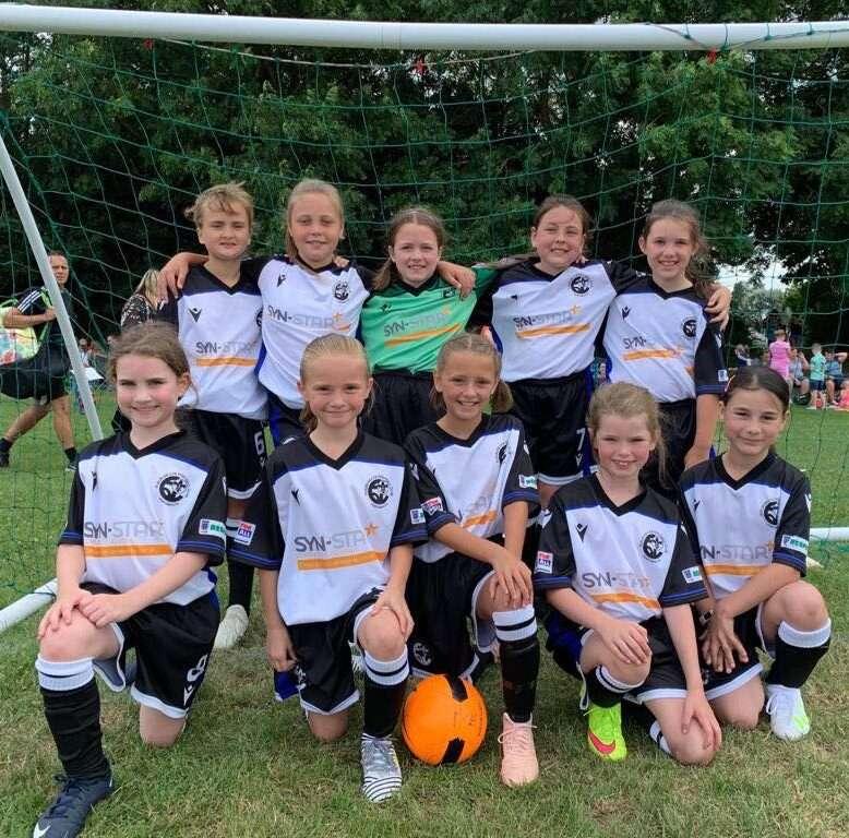 girls football sponsored by syn-star